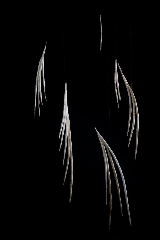 Papel hecho a mano de ábaca y de maíz 130 x 68 x 12 cm. 2016