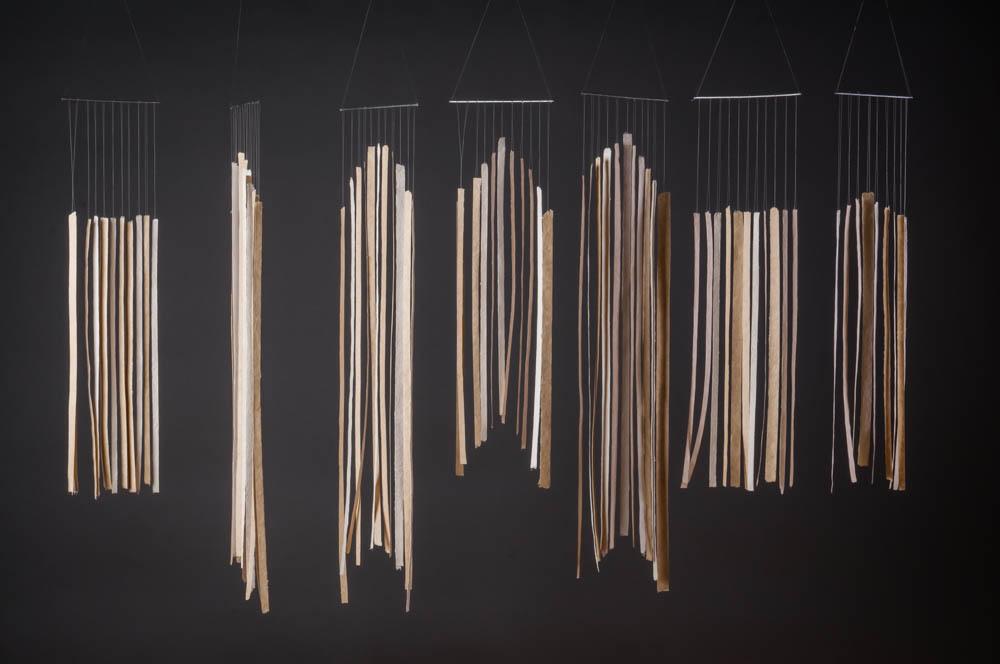 Movimiento XIII. Papel de piña y de algodón. 70 x 135 x 18cm.-2016-
